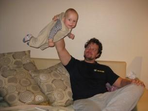 Minu abikaasa meie esimese pojaga. Poeg Dominic 6-kuune siin