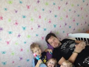 Minu abikaasa meie 4 lastega-1,11 a neiud, 4 ja 5,5 a pojad