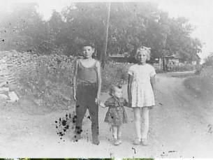 44 aastat hiljem. Vend, mina ja täditütar. 1969.a ja 2013.a.