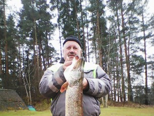 Unnaga püütud Haanjamaa väikejärvest. 8,2 kg, 115 cm ja söödaks umbes 100 grammine hõbekoger. Sel päeval sai veel viis kala neljast kilost kuue kiloni kahepeale.