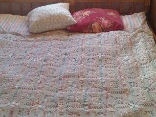 Vanaavanema voodikate muutus uueks