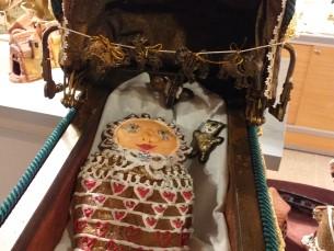 1. Beebi piparkook- kingiti vanasti vast abiellunud pruudile laste õnneks. Ta pidi beebi piparkoogi peo käigus ära sööma. 2. Atla mõisa Nukumaja