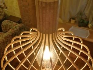 Kasevineerist laelamp