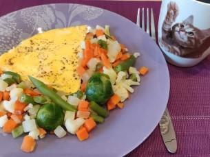 Омлет с овощами ;)
